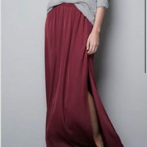Zara Trafaluc Burgundy side slit skirt
